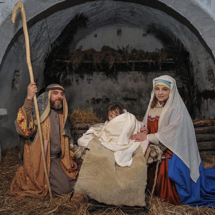 The Living and Itinerant Christmas Crib of Baia and Latina