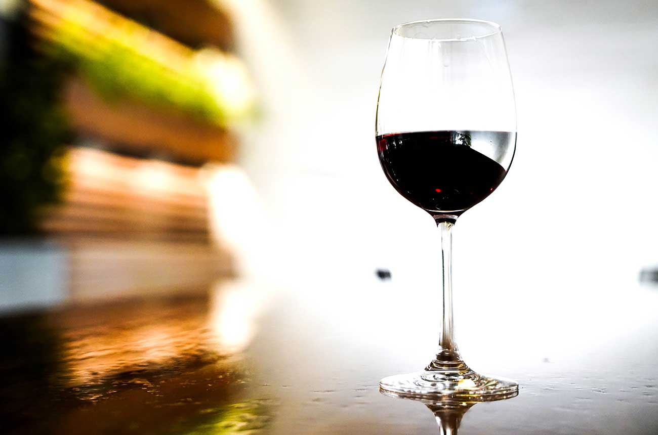 New US dietary guidelines may cut daily wine limit