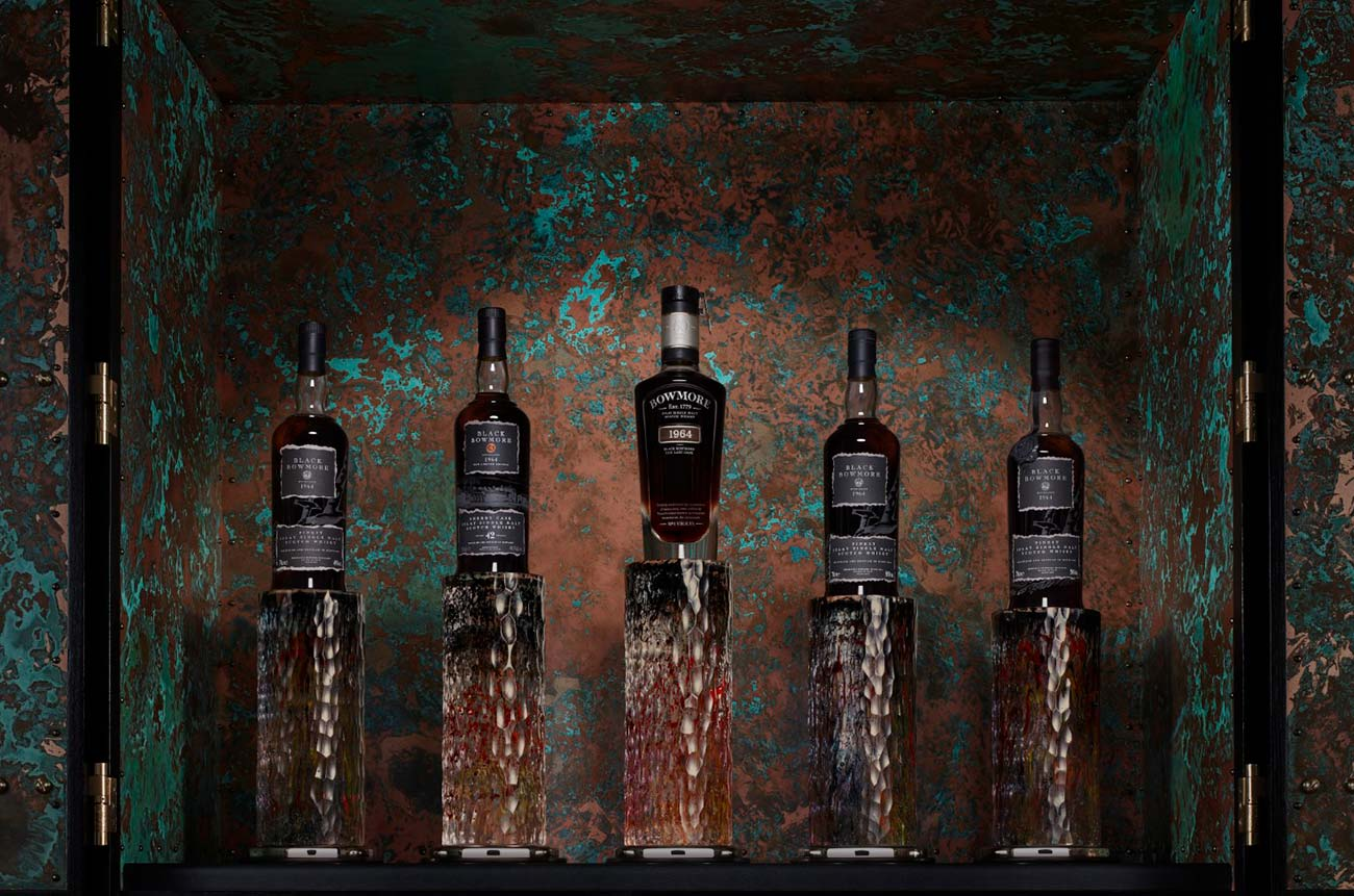 Rare Black Bowmore whisky collection sells for over US$563,000 at auction