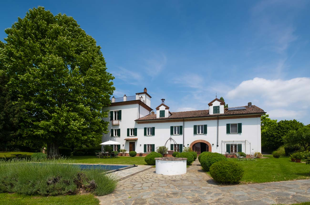 Piedmont wine property for sale at €1,850,000