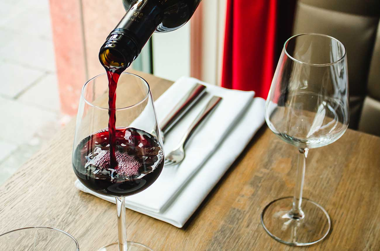 Don't fear second cheapest wine on the menu, says study
