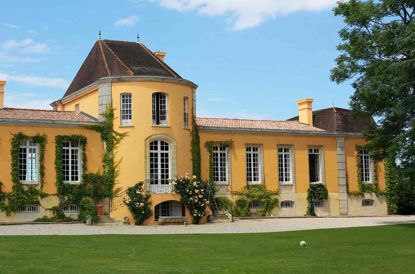 Bordeaux's Château Lafon-Rochet sold to investor Lorenzetti
