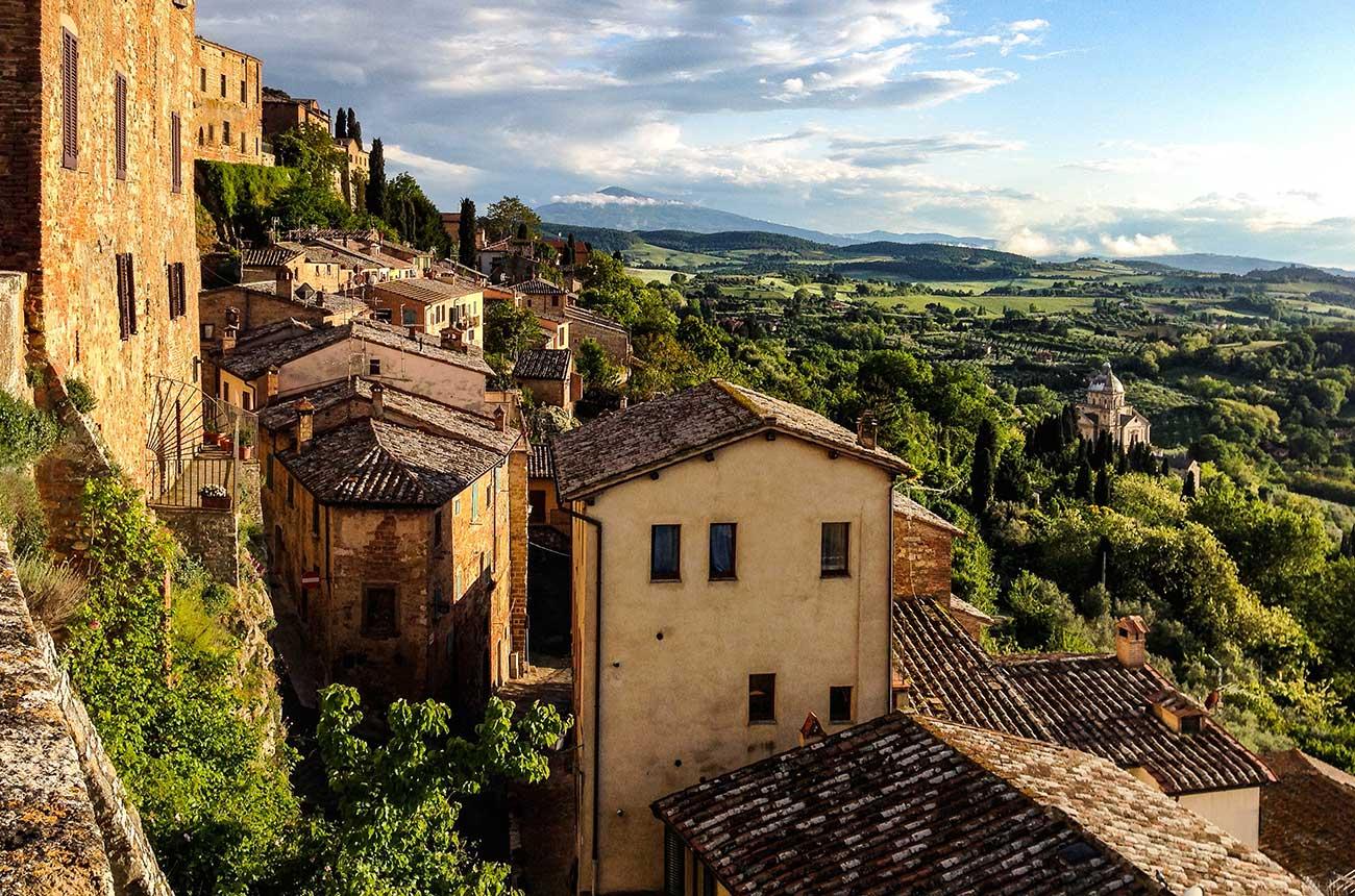 Frescobaldi buys first wine estate in Montepulciano
